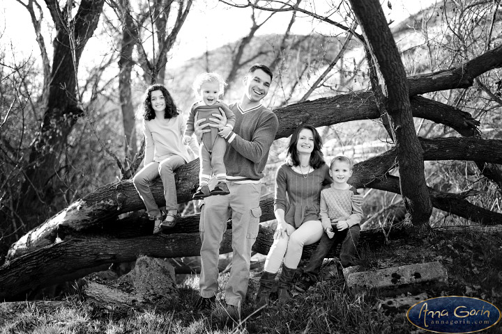 The Willis family | portrait photoshoots photography outdoor portraits military reserve park Family Photos Family Photographer Boise Family Photographer families Cottonwood Creek Boise Family Photos Boise Family Photography Boise Family Photographer  | Anna Gorin Design & Photography, Boise, Idaho