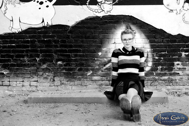 Seniors: Audrey | urban portraits seniors 2017 seniors Senior Portraits Boise Senior Portraits Senior Portrait Senior Pictures Boise Senior Photos Record Exchange portraits photoshoots outdoor portraits graffiti freak alley female portraits downtown boise Boise Senior Pictures Boise Senior Photos Boise Senior Photography Boise Senior Photographer autumn  | Anna Gorin Design & Photography, Boise, Idaho