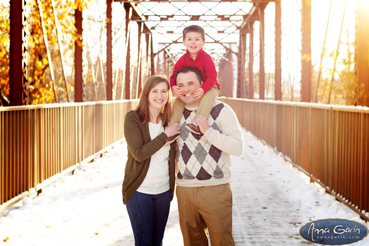 The Haley family | winter snow portraits photoshoots outdoor portraits kids Family Photos Family Photographer Boise Family Photographer families boise train depot boise greenbelt Boise Family Photos Boise Family Photography Boise Family Photographer boise depot  | Anna Gorin Design & Photography, Boise, Idaho