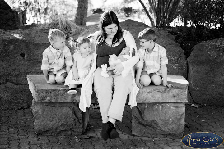 The Logston family | spring portrait photoshoots photography outdoor portraits kids kathryn albertson park Family Photos Family Photographer Boise Family Photographer families Boise Family Photos Boise Family Photography Boise Family Photographer  | Anna Gorin Photography, Boise, Idaho