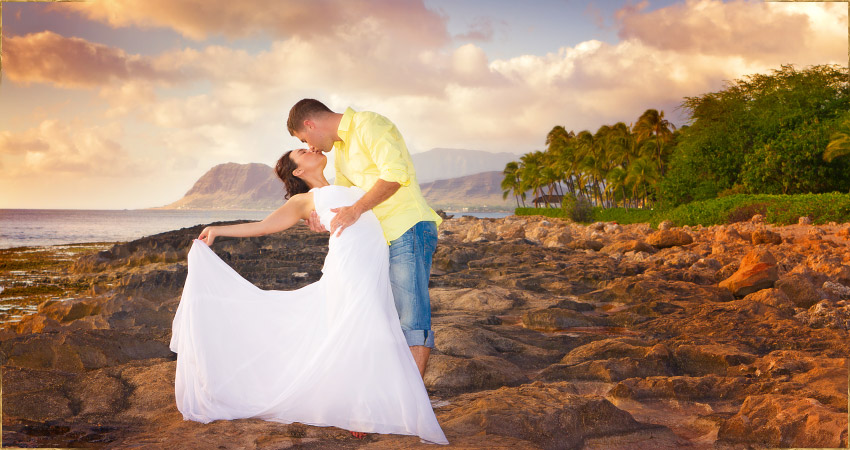 Destination wedding photography on Oahu, Hawaii